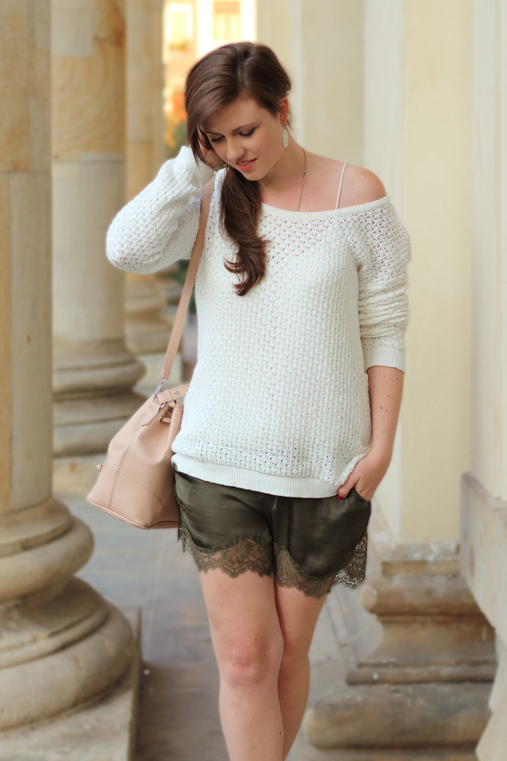 justmyself_fashionblog_deutschland_autumn_herbst_fall_outfit_khaki_short_weisser_pullover_2