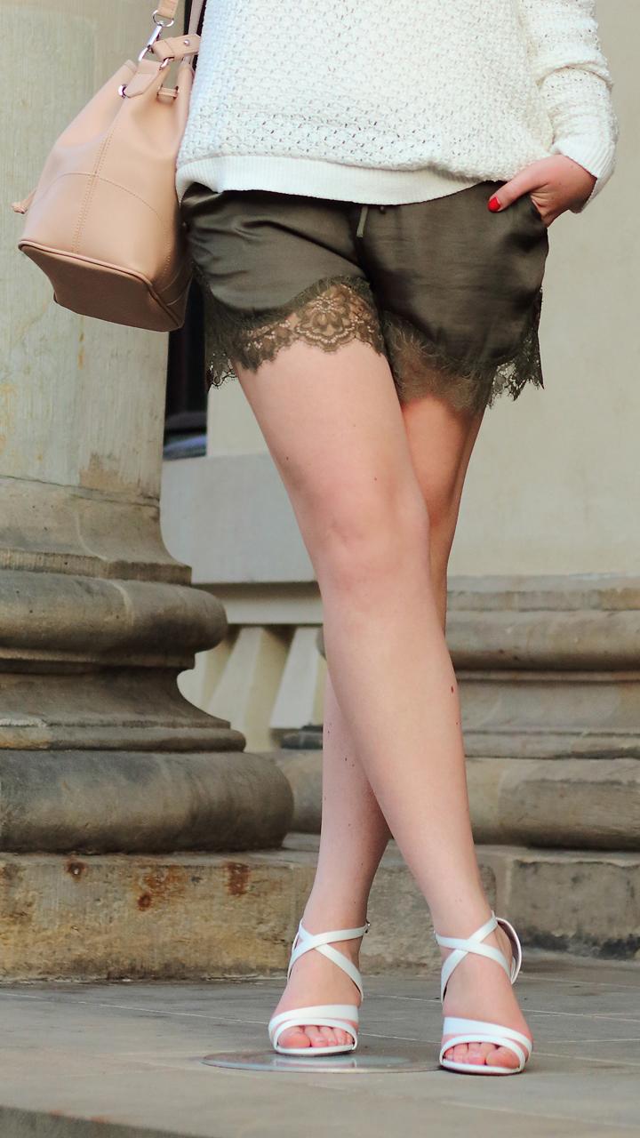 justmyself_fashionblog_deutschland_autumn_herbst_fall_outfit_khaki_short_weisser_pullover_4