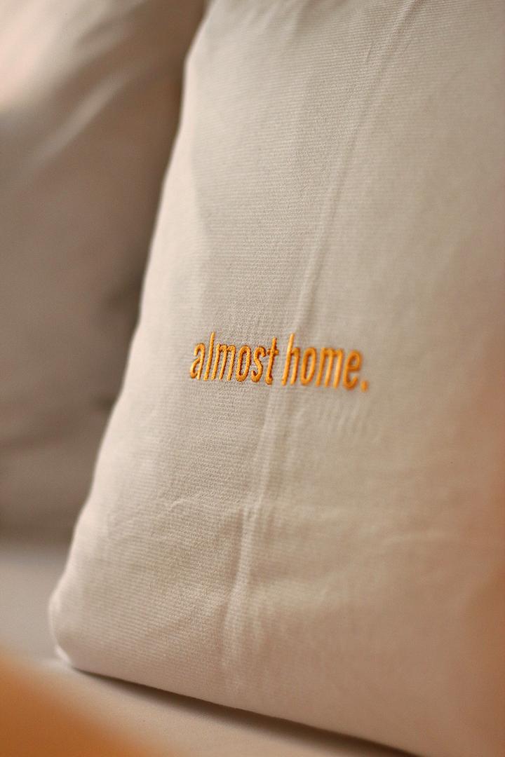 justmyself blog 25hours Hotel am Museumsquartier Wien Zimmer Kissen gemütlich