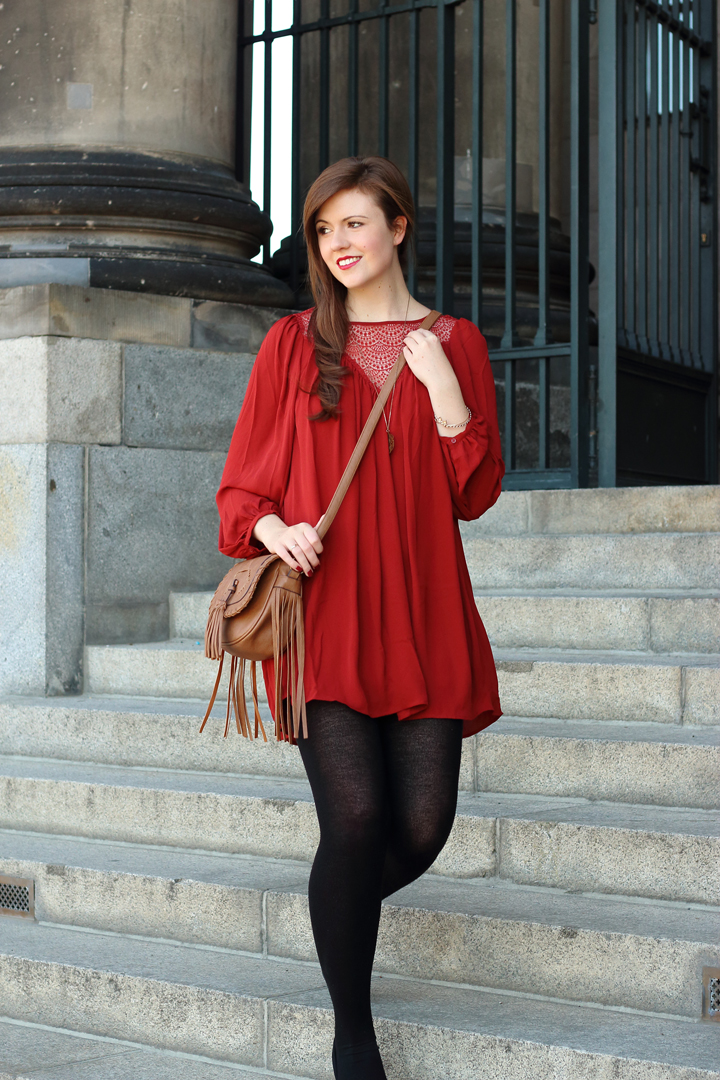 justmyself-fashionblog-bordeaux-rot-kleid-spitze-ankle-boots-schwarz-strumpfhose-2.jpg