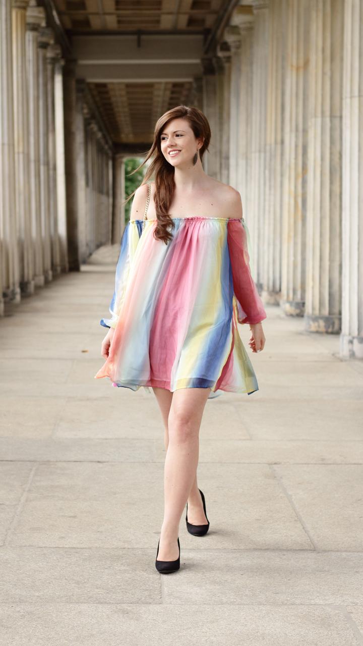 Justmyself-Fashionblog-Deutschland-Regenbogenkleid-Shein-Sommerkleid-Off-Shoulder-bunt-4