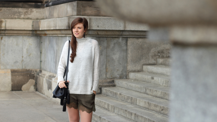 justmyself-fashionblog-herbst-outfit-shorts-pullover-sweater-2