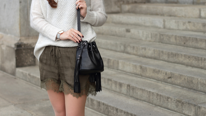justmyself-fashionblog-herbst-outfit-shorts-pullover-sweater-6