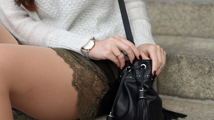 justmyself-fashionblog-herbst-outfit-shorts-pullover-sweater-7