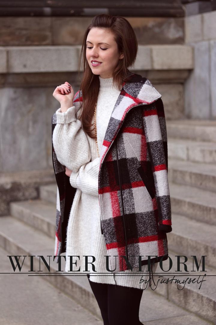winter uniform strickkleid wintermantel und boots justmyself. Black Bedroom Furniture Sets. Home Design Ideas