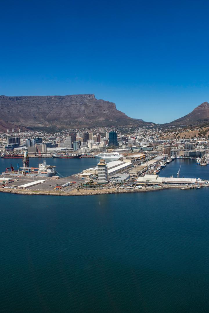 Helikopterflug über Kapstadt Helicopterflight over Cape Town Hafen