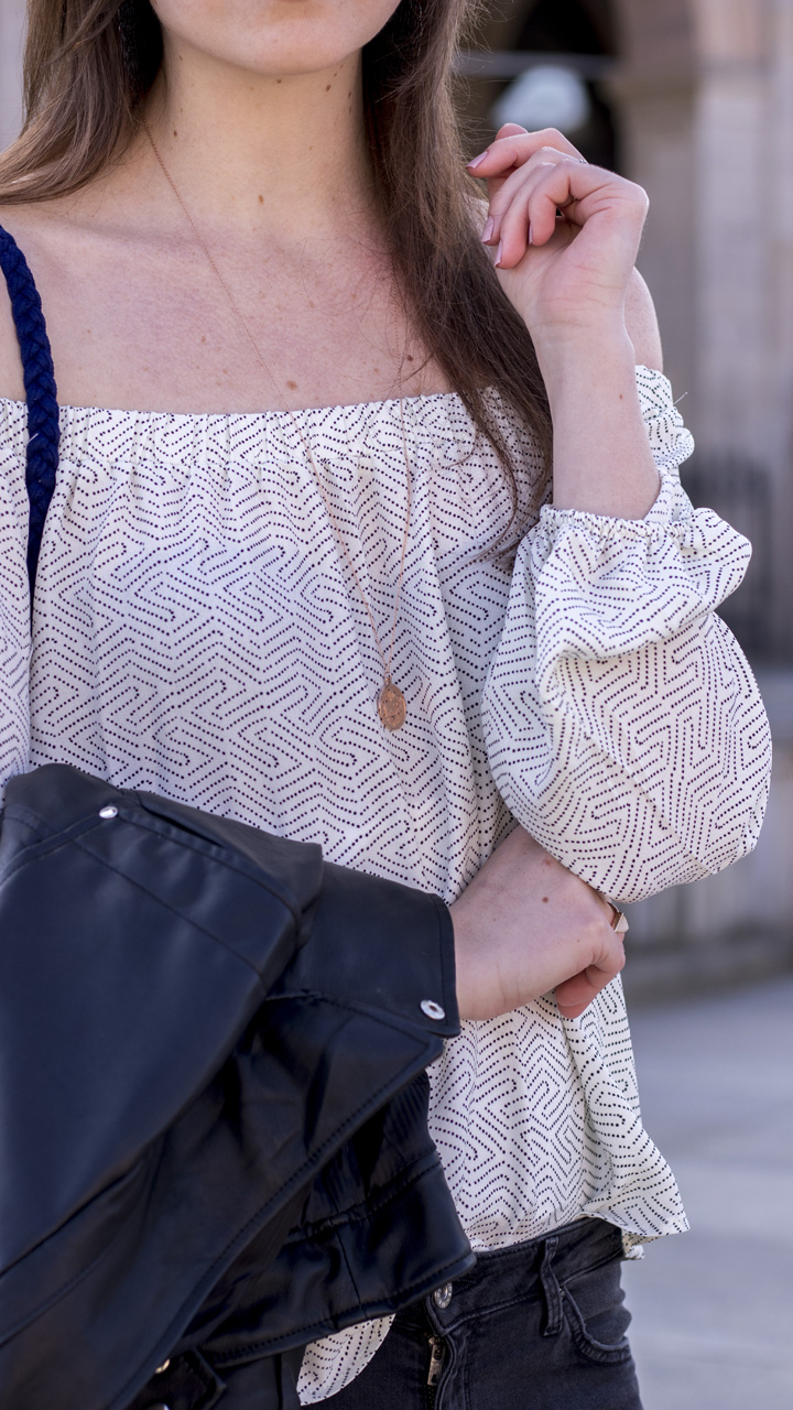 JustMyself-Fashionblog-Deutschland-Off-Shoulder-Bluse-Forever21-ripped-jeans-ankle-boots-zara-lederjacke-frühlingsoutfit-5