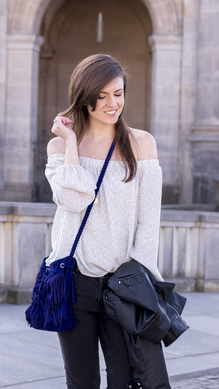 JustMyself-Fashionblog-Deutschland-Off-Shoulder-Bluse-Forever21-ripped-jeans-ankle-boots-zara-lederjacke-frühlingsoutfit-11