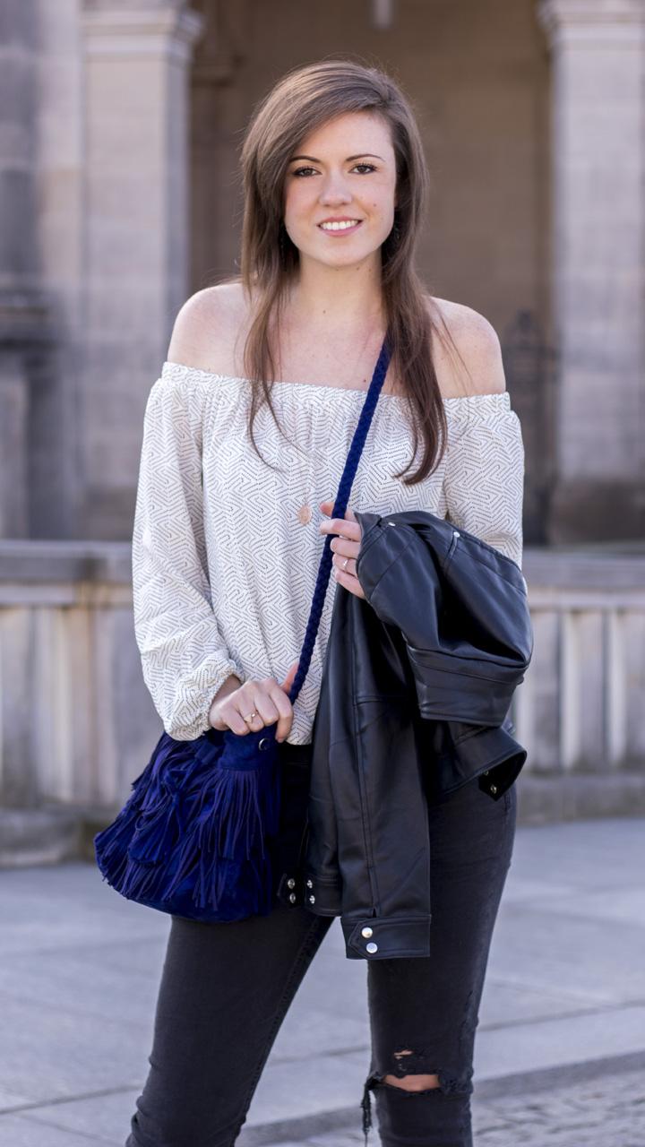 JustMyself-Fashionblog-Deutschland-Off-Shoulder-Bluse-Forever21-ripped-jeans-ankle-boots-zara-lederjacke-frühlingsoutfit-9