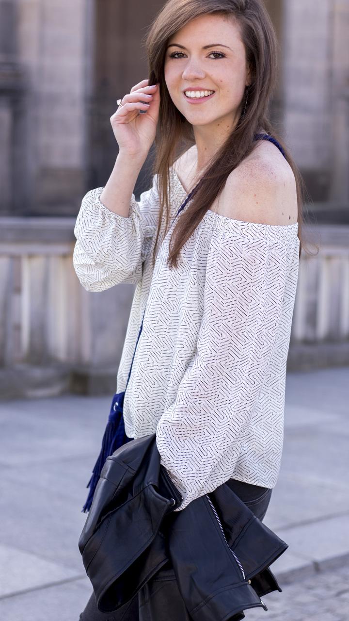 JustMyself-Fashionblog-Deutschland-Off-Shoulder-Bluse-Forever21-ripped-jeans-ankle-boots-zara-lederjacke-frühlingsoutfit-8