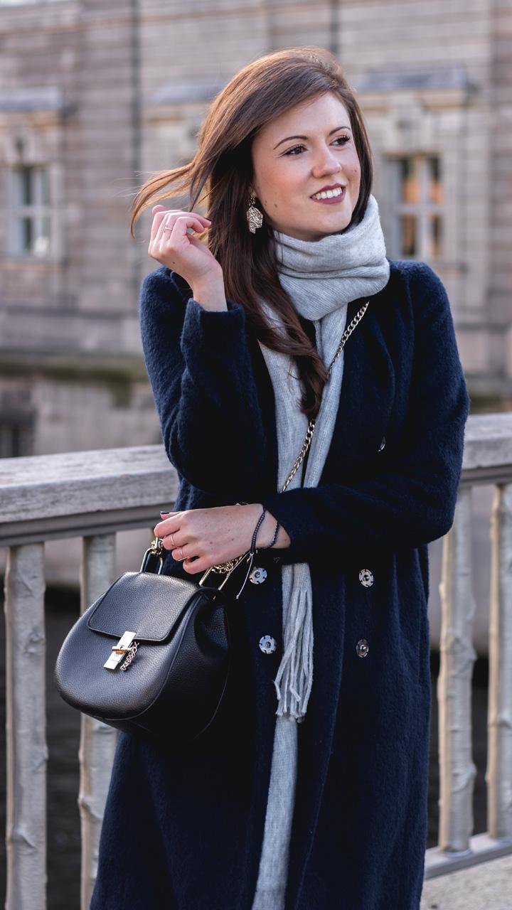 blauer Wintermantel Eksept overknees kombinieren preiswerte designertasche